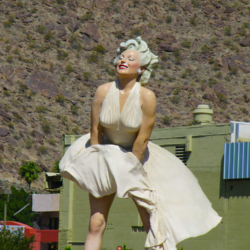 Marylin Monroe Statue